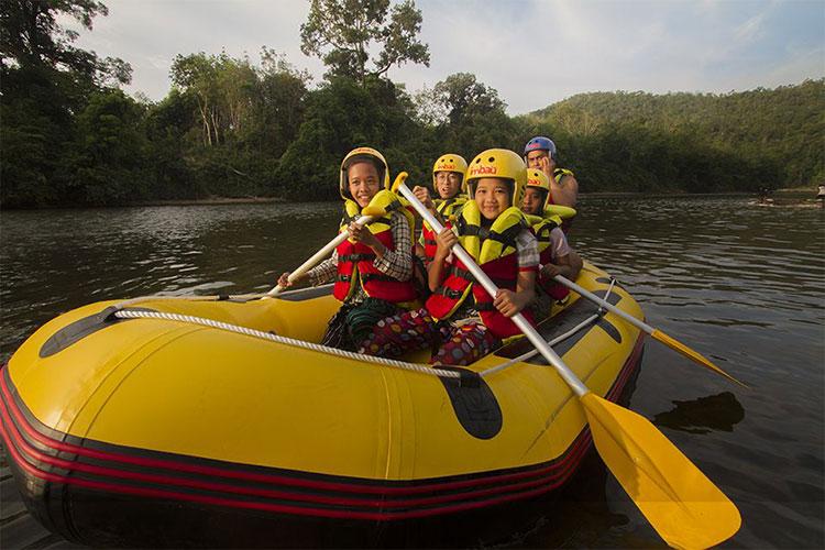 Asyiknya Rafting di Rimbang Baling