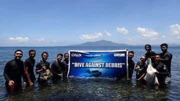 "Dive Against Debris, Bersih-bersih Sampah Laut Ala ""Divers"""