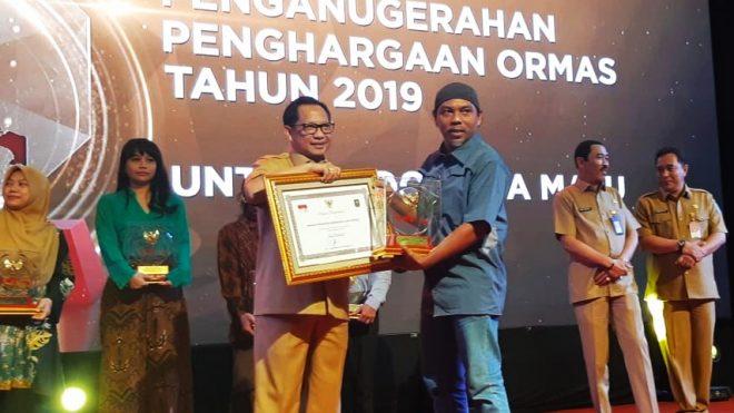 Yapeka Meraih Penghargaan dari Kementerian Dalam Negeri